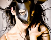 Rabbit mask in black leather