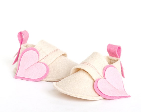Baby girls shoes white & pink hearts, newborns booties, shower gift crib shoes