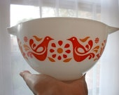 Pyrex red bird Bowl Vintage American Kitchen - GlazyDaysandNights