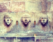 8X10 or A4. Barcelona stone heads sculptures water fountain. - filamentoTGS