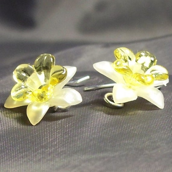Spring Daffodil Earrings
