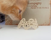 Beige lace cuff / lace bracelet - Decoromana
