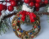 SALE Christmas Wreath Brooch Signed ART - normajeanscloset