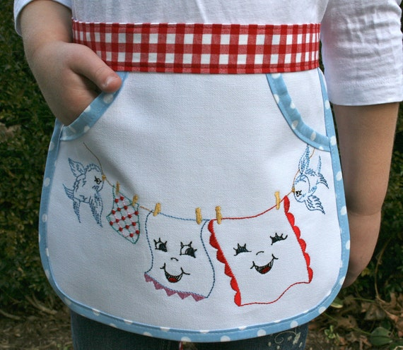 Child laundry apron, girl apron, washday playtime, size 3-6 yrs., embroidered clothesline & bluebirds