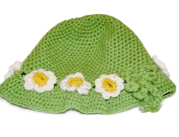 Ladies' hat with crochet flower, Women Winter Crochet Hat, Women Beanie, White, Hat with flower, Green Chunky beret