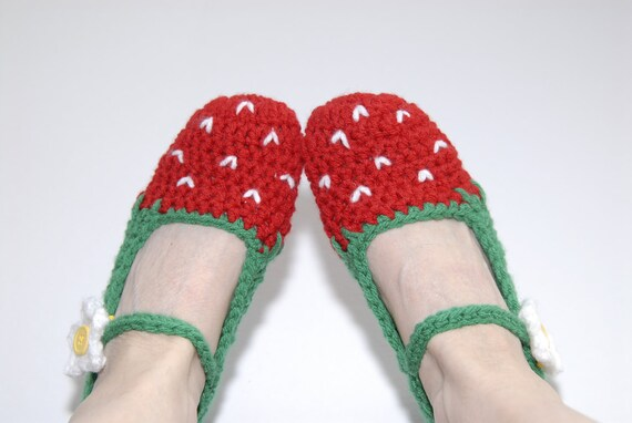 Crochet Strawberry Slippers- Kawaii- Red and Green- Women Slippers