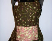 Matching aprons set