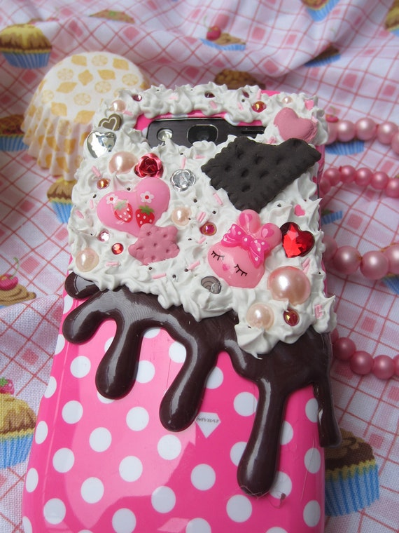 Pirate Kitty Crafts on Etsy -- Decoden Phone Case