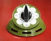 Retro Green Wind Up Kitchen Timer 1950s 60s Style - gremlina