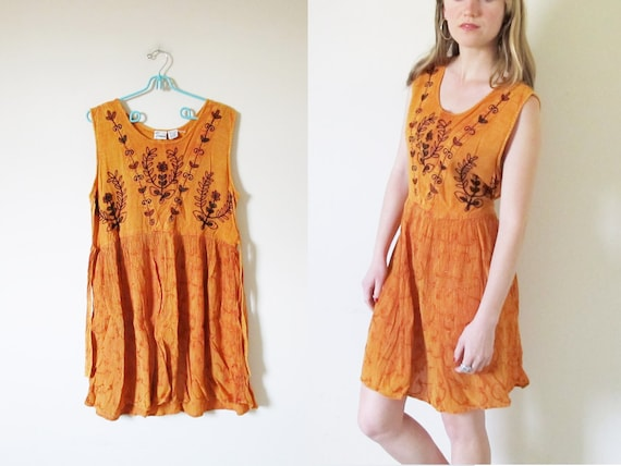 vintage 1990s Dress // Orange Pumpkin Hippie // Sleeveless // Floral Embroidery // M