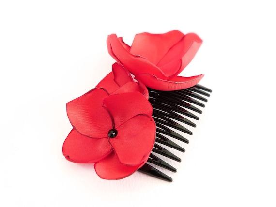 peigne fleur rouge
