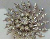Vintage Rhinestone Starburst Snowflake Pin - StarLadysJourney