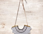 Crown knitted necklace with patterned trim - Grey