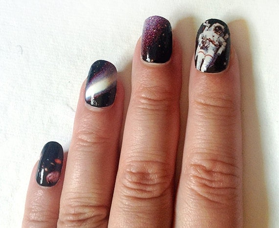 25 Gifts Under 25 Astronaut Nail Decals