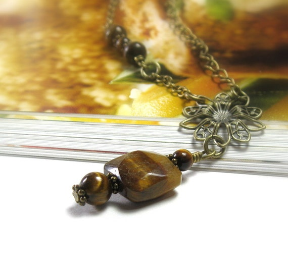 Tiger Eye Quartz Necklace, Vintage Style Jewelry, Quartz Chalcedony, Antiqued Brass, Brown, Womens Accessories, Gifts for Her, Semi Precious