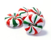 Polymer clay buttons red green white peppermint candies set of four - Cofanetto