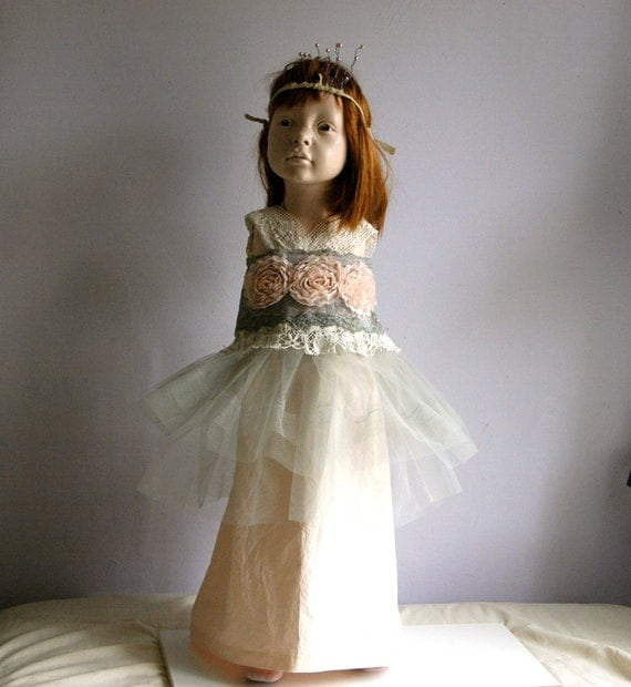 Thanksgiving dress Flower Girl Dress very unique Scandinavian Style Silver grey and Salmon coloured. Size 2-3 yrs