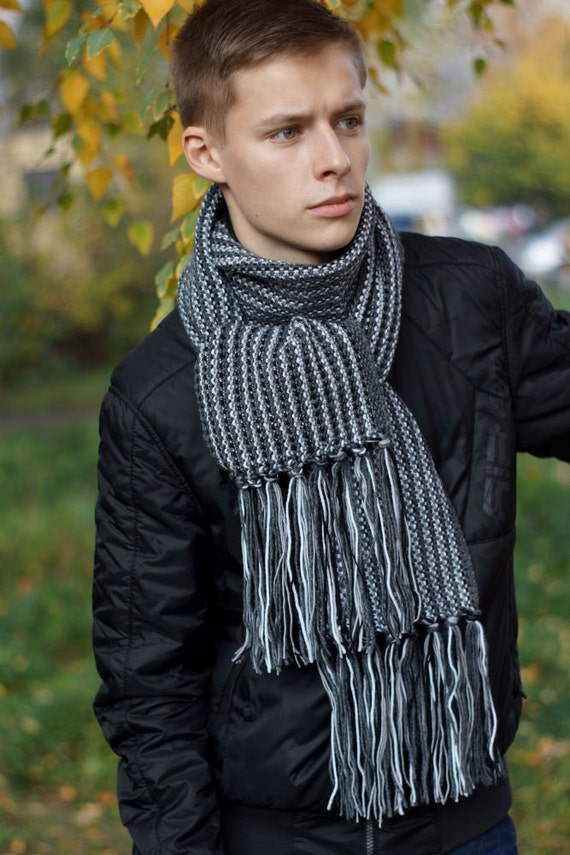 hand knit men s gray scarf from sockclub Hand Knitted Men's Scarves