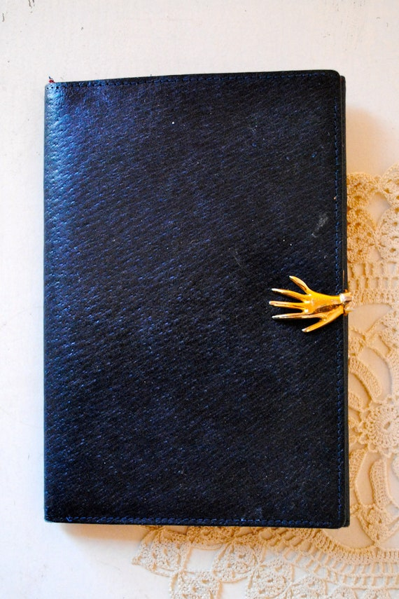 Vintage Navy and Red Gucci Hand Clasp Wallet
