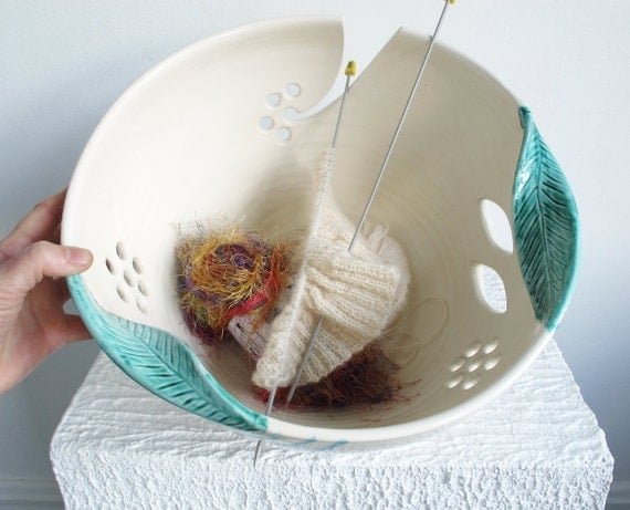 Yarn bowl JUMBO Extra Large Knitting Ceramic Yarn Bowl Organizer Winter White with twisted leaves