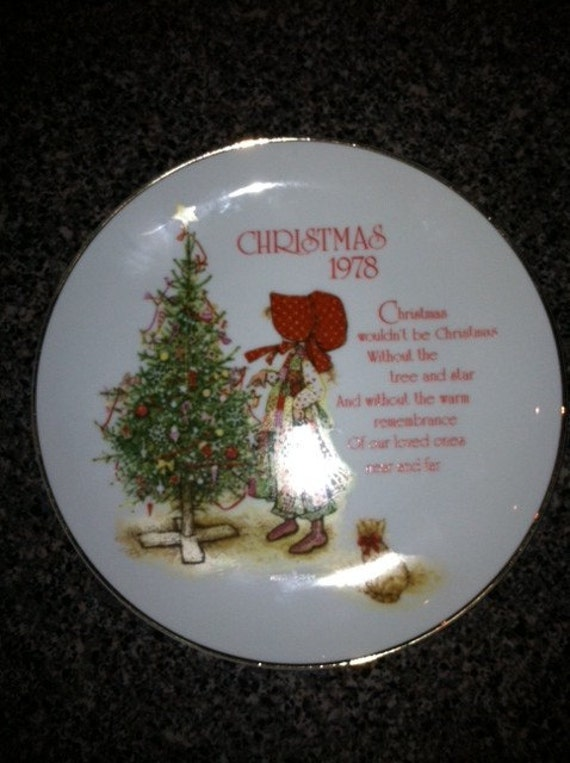 Holly Hobbie 1978 Christmas Collectible Plate