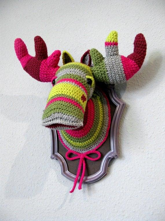 Crochet Color block Moose (BIG) in a wooden frame
