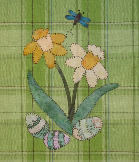 Spring Daffodils Applique PDF Pattern for Tea Towel