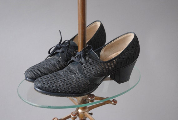 1930s Oxfords / Navy Mesh Shoes / Size 5 6N