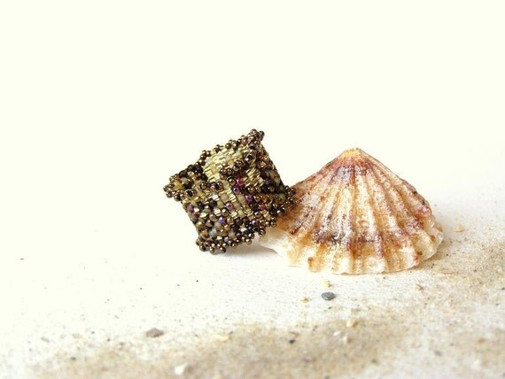 Happy Rings, Handbeaded Ruffled Ring In Browns, Bronze And Yellows