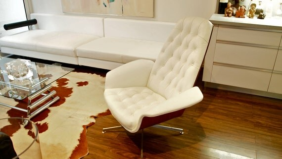 RARE Iconic George Mulhauser Lounge Chair WHITE leather Mr.Chair For Plycraft Mid Century Modern Resurrection Eames