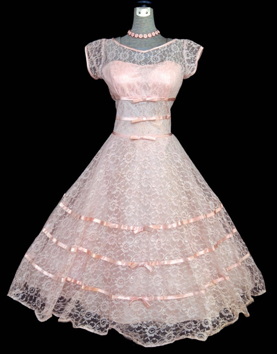 Vintage 50s Dress // 1950s Pink Tulle & Lace Prom Evening Wedding Dress // Pearl Pink Full Skirt Pary Dress with Bows