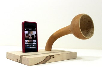 The Gourd-A-Phone - iHorn -- iPhone  Acoustic  Speaker Horn -- Acoustic Speaker System for your iDevice, all natural finish