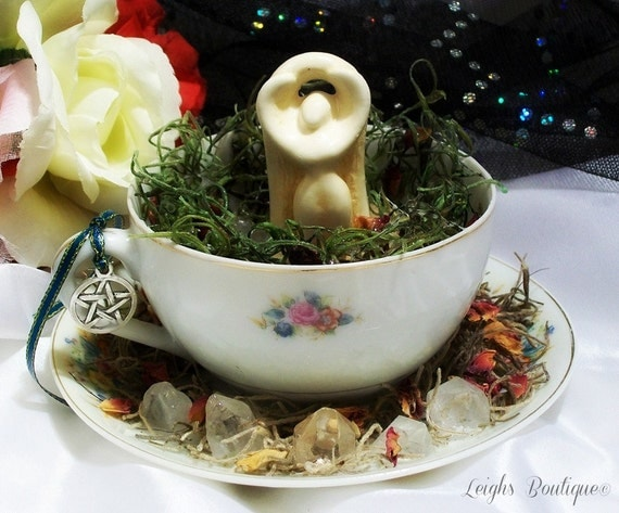 Celebration Goddess Retro Vintage Teacup Altar Statue