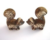 Vintage Squirrel Ceramic Salt and Pepper Shakers - Kitchy Kitchen Home Decor - Tagt Team