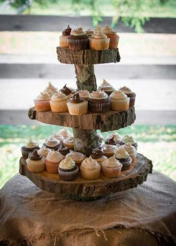 The importance of wedding themes for Cupcake stand plans
