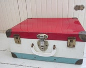 Vintage, 1960's, Rollerskate Case, Metal Suitcase, Cottage Decor, Retro Storage - Bingville