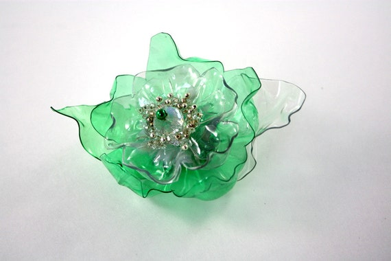 St Patrick's Day Green Flower Magnet, Lucky Irish Pin, Upcycled PET Plastic Bottle, Recycled Water, White Beaded