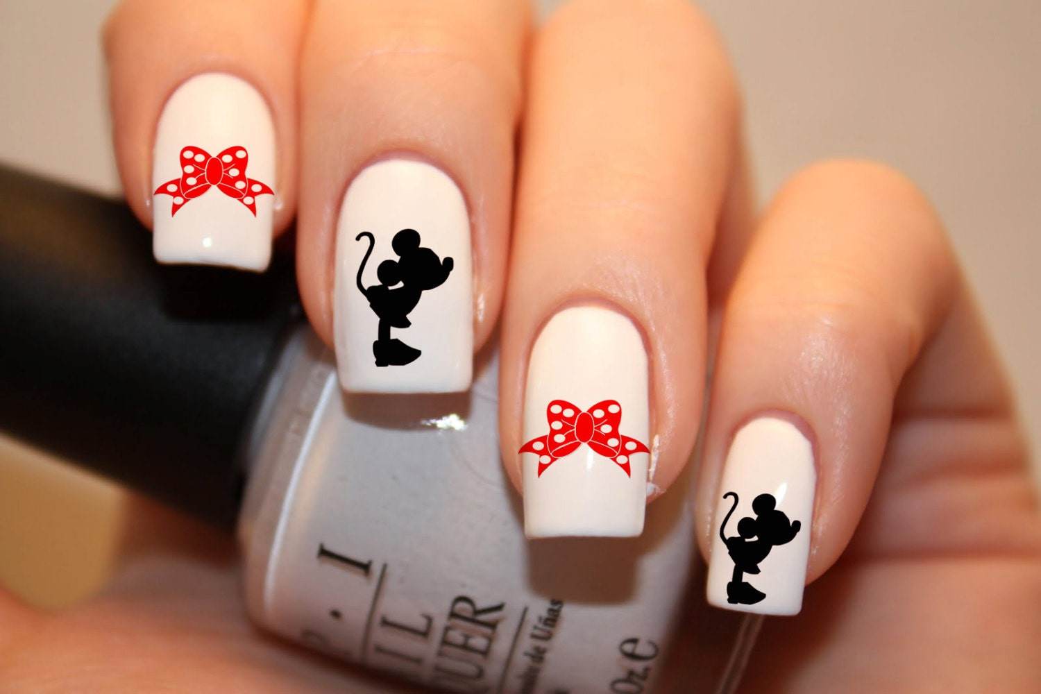 10 Marvelous Mickey Mouse Nail Designs