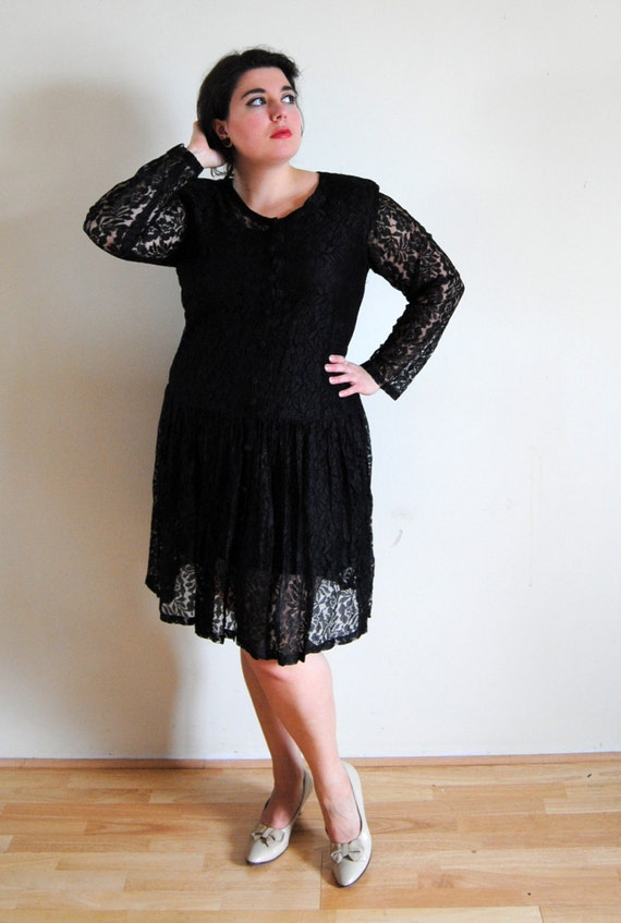 Spring Plus Size Vintage Late 1980s 1990s Black Lace Grunge Dress // Dark Matter Fashion // Size 12