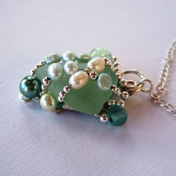 Pale green sea glass and pearls pendant and chain