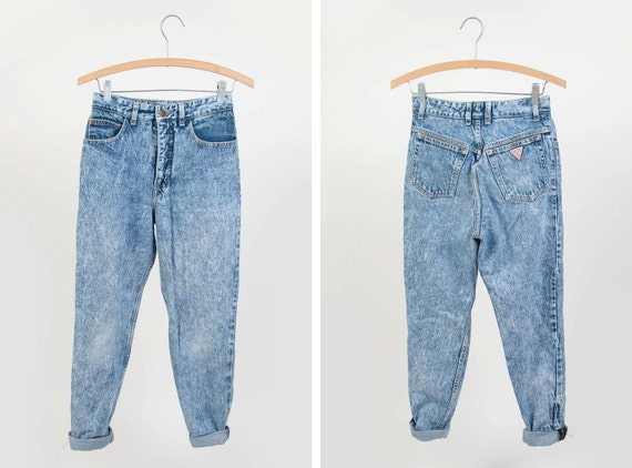 90s High Wasted Acid Wash GUESS Skinny Jeans - Size 28