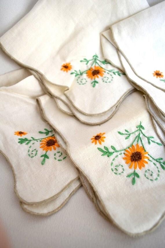 Vintage Hand Embroidered Black Eyed Susan Linen Napkins, Set of Six