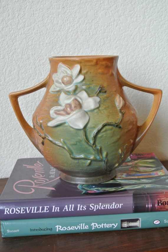 Expert Estate Sales on Etsy vintage Roseville Vase