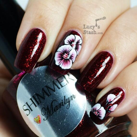 Shimmer Nail Polish - Marilyn