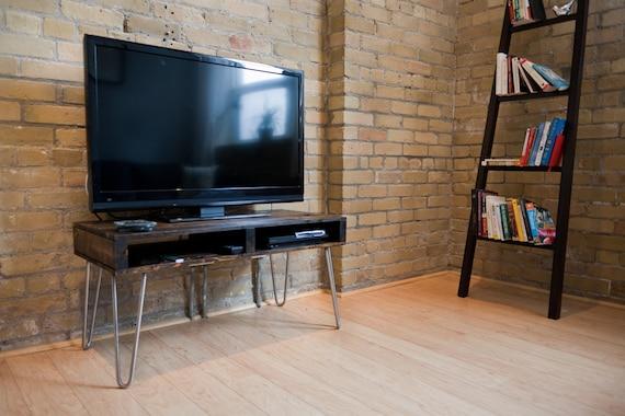 diy pallet tv stand. Black Bedroom Furniture Sets. Home Design Ideas