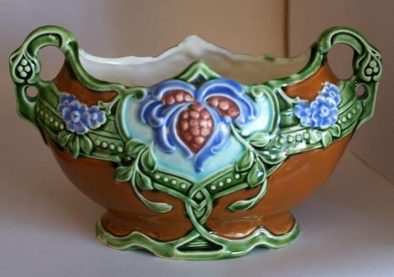 Vintage Majolica Planter Vase Jardiniere Double Handles 10638 Art Nouveau Green