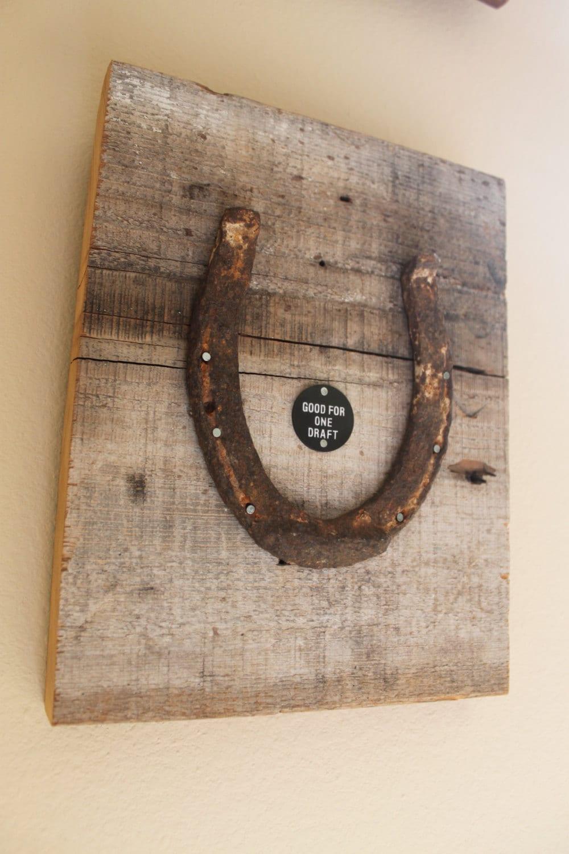 Lucky Horseshoe Barn Wood Wall Hanging Etoys2013
