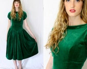 1940s Emerald Green Drop Waist Velvet Dress Vintage - Size 4 from KimVintage on etsy.com