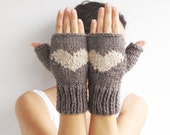 Valentines Day Fingerless Gloves - Mittens Brown - Ecru - afra