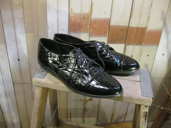 Shiny Black  Oxfords shoes vintage 1980s Esprit crocodile style 8